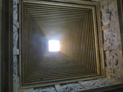 Mel Bourne-Shrine of Remembrance, Looking up into dome
