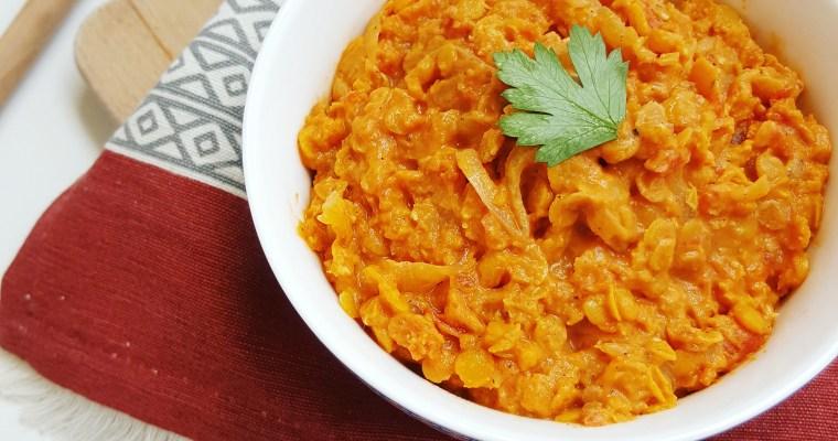 Dahl de lentilles corail, coco et curry