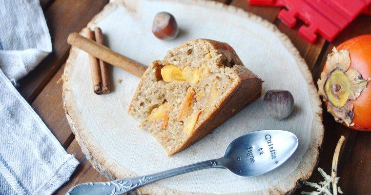 Gâteau aux kakis, noisettes et épices