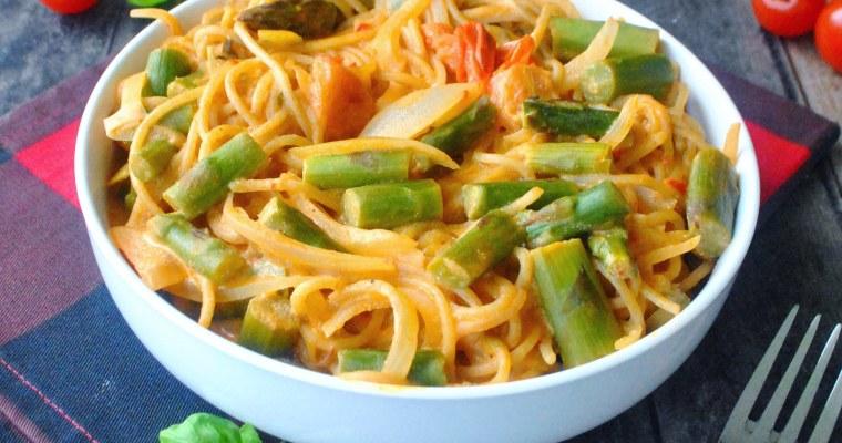 One pot pasta aux asperges, houmous aux poivrons et ricotta