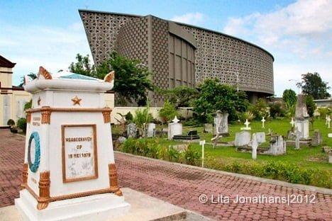 Museum Tsunami dan Kerkhoff Banda Aceh