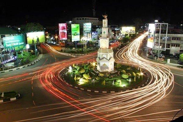 Tugu Simpang Lima