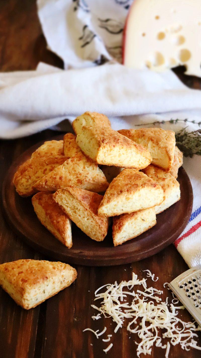 scones de queso salados simples