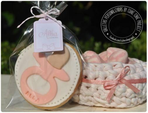 Galletas decoradas para bautizos modelo chupete - CukieProject