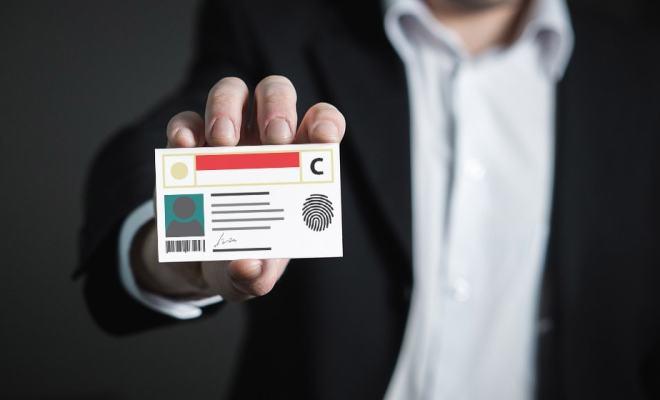 Verifikasi identitas
