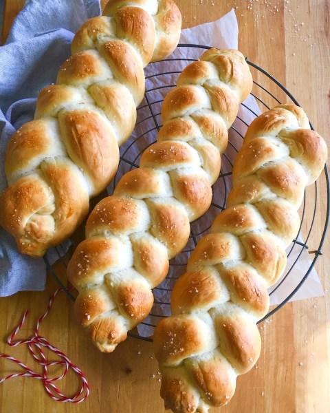 Holiday Baking: Celebration Sweet Breads 12/07/19