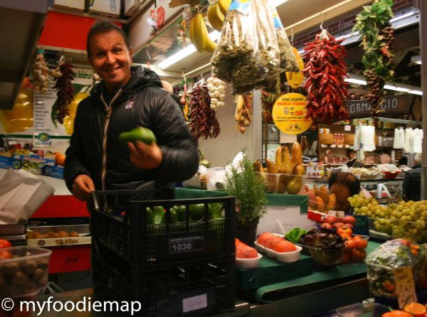 food tour bolgona, market tour