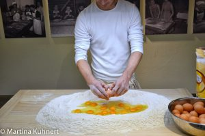culinary tour italy, pasta bologna