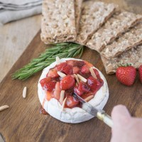 Baked brie with strawberries and rosemary