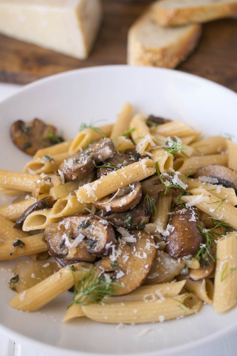 Mushroom, fennel & sage pasta is an easy dish that is on the table in 20 minutes. Perfect for those busy weeknights and also makes delicious leftovers for lunch the next day.