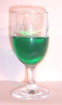 Crème de menthe in cocktail glass