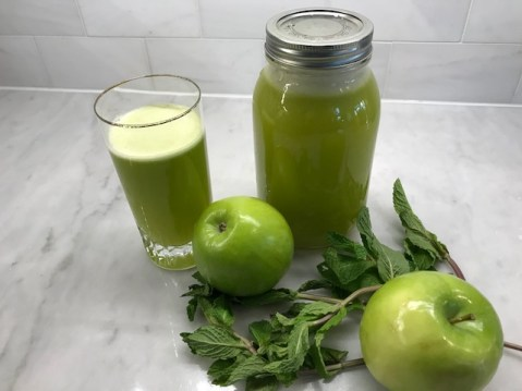 Pineapple mint apple juice