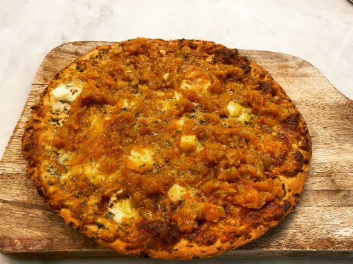 Cauliflower crust pizza with Sofrito