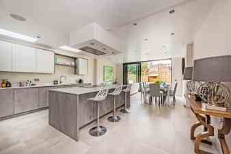 Finlay-Street-home-staged-by-cullum-design-london-uk-56-26