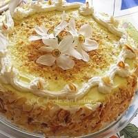 Tort cu crema fina de lichior de oua