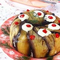Tort aperitiv de vinete cu crema de branza