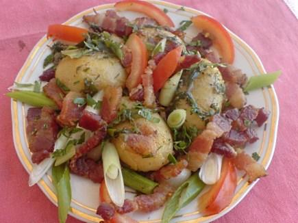 - Cartofi noi, bacon si ierburi aromate de Sanda Suciu Ex Surtea