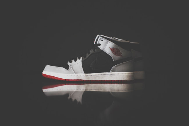 Air Jordan 1 Mid Black / Gym Red-Wolf Grey