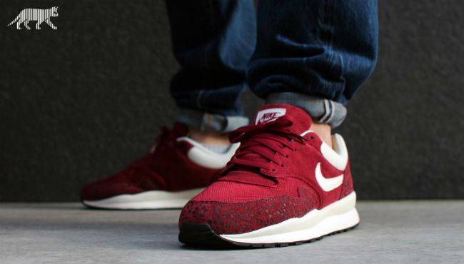 Nike Air Safari Team Red