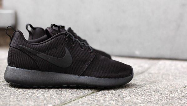 Nike Roshe Run 'Blackout'