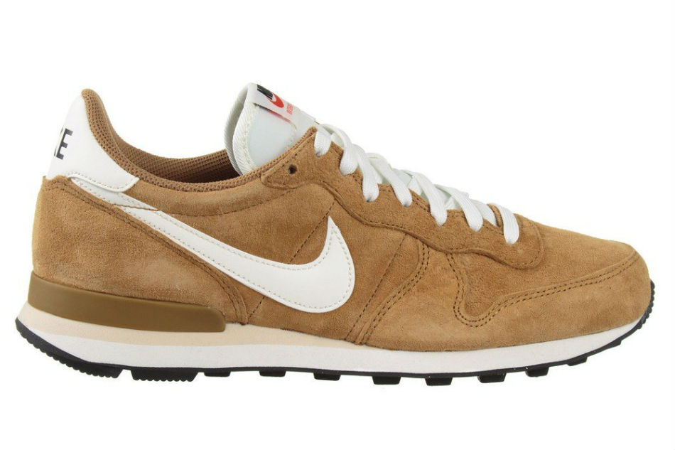 nike internationalist golden tan sail