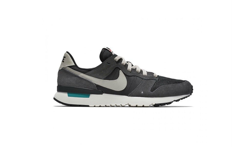 Nike Archive 83.M Anthracite/Black-Wolf Grey-sail