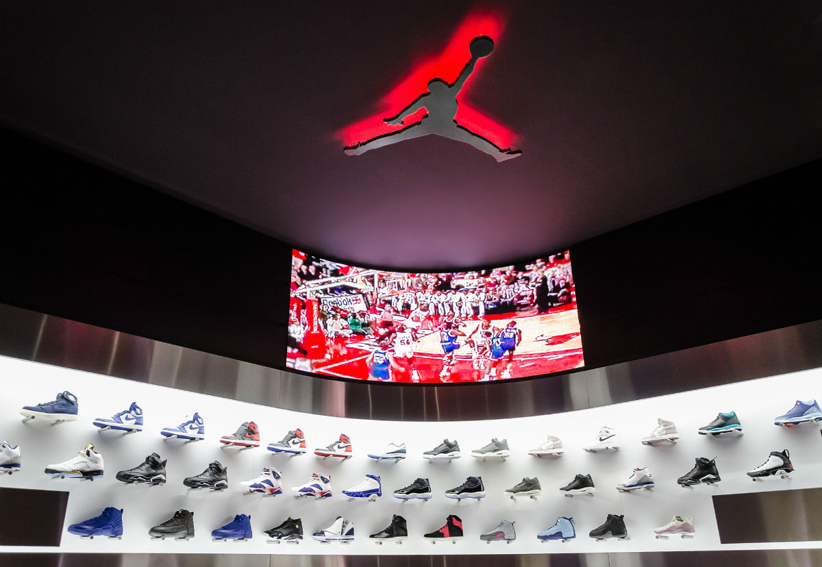 foot district New Madrid Store