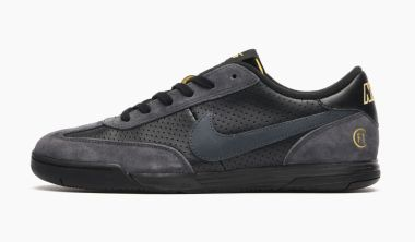 nike-sb-lunar-fc-black-anthracite-metallic-gold-ftc-921610-007
