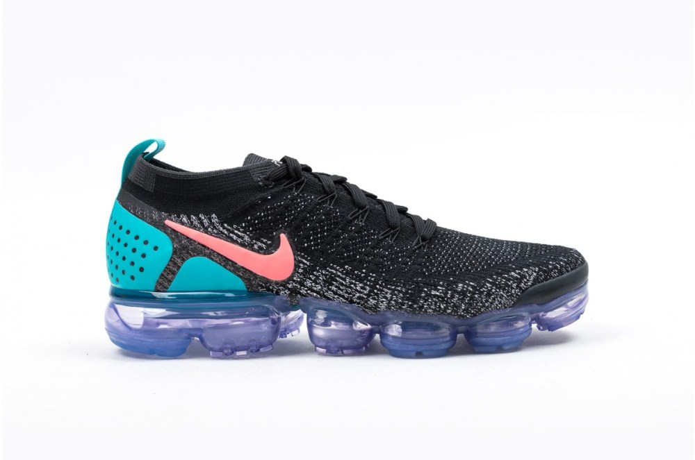 best service 42c1f f13ee Nike Air VaporMax Flyknit 2 Hot Punch