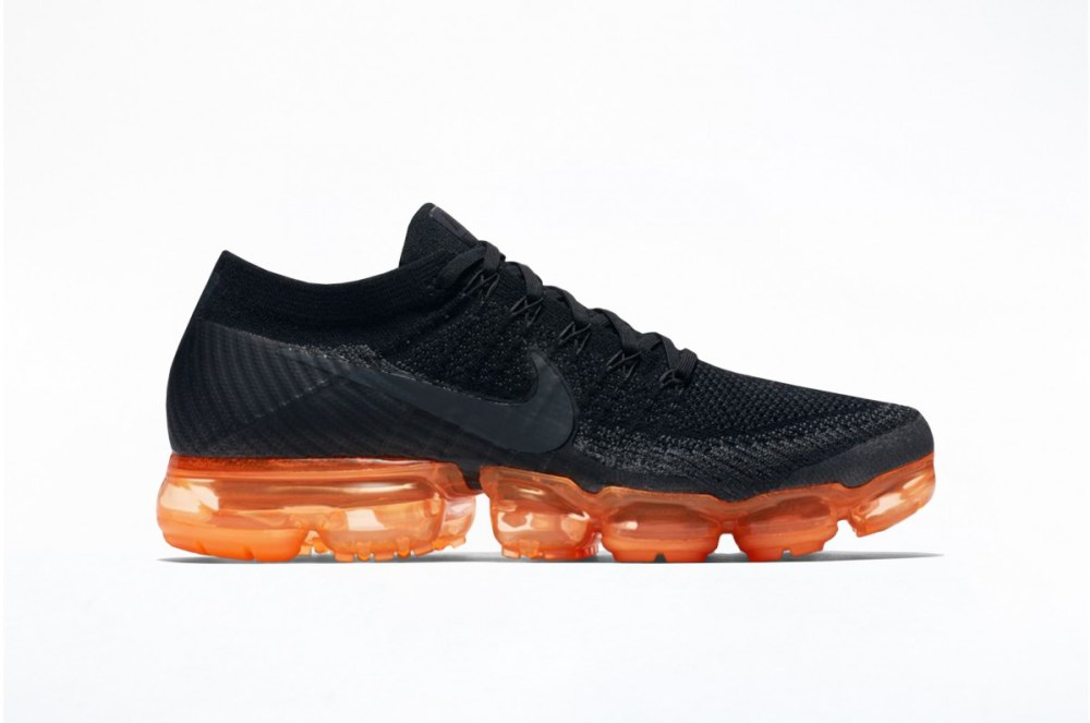 nike air vapormax flyknit black orange