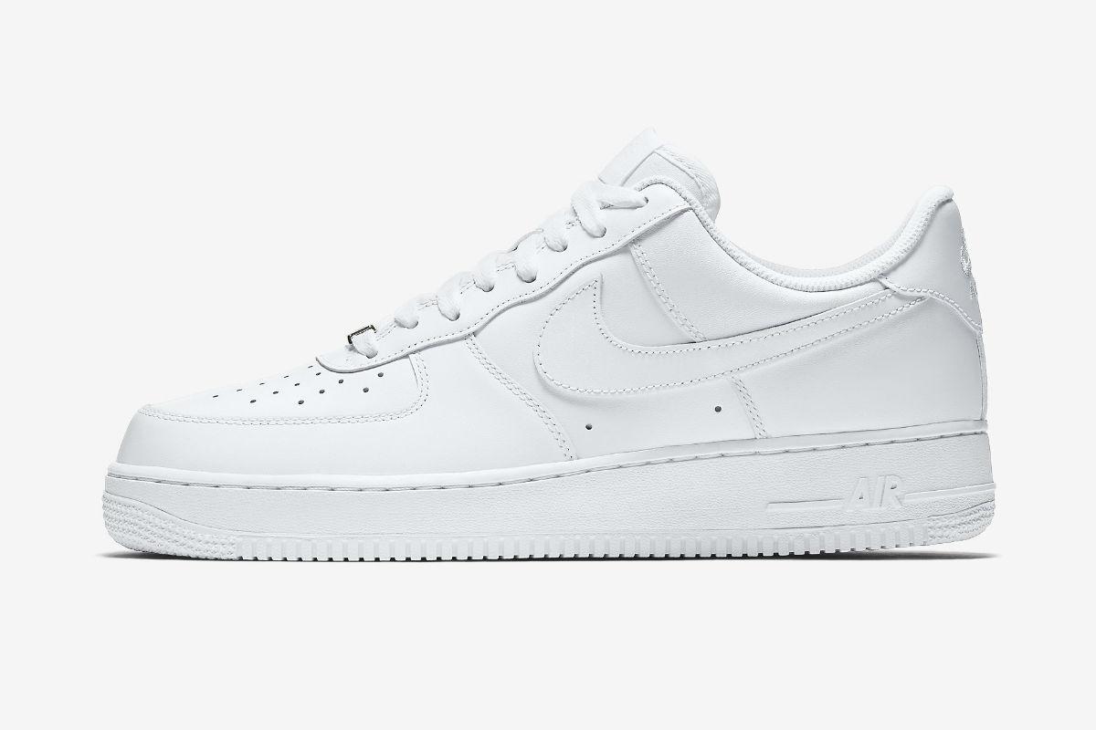 Nike Air Force 1 07 Triple White