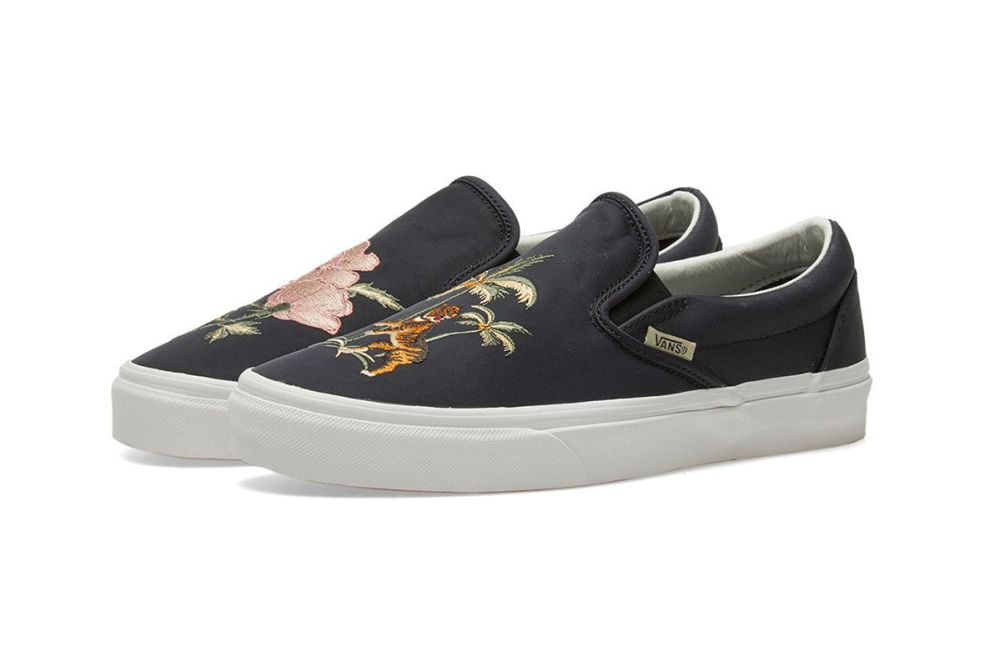 vans slip on dx souvenir black