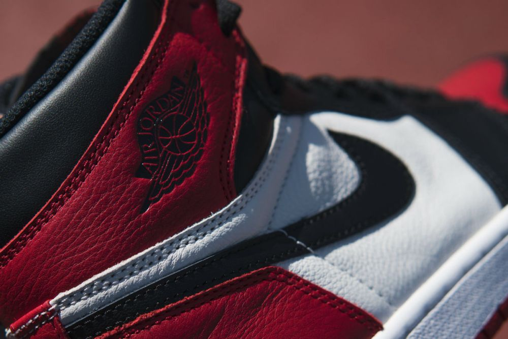 air jordan 1 bred toe detail
