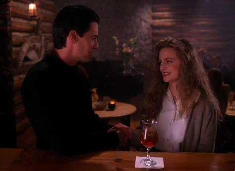 Coop (Kyle MacLachlan) and Annie (Heather Graham)
