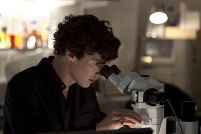 Sherlock-The-Reichenbach-Fall--promo-pics-batch(4)