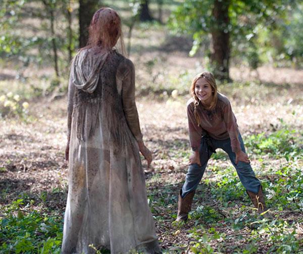 The-Walking-Dead-414-grove