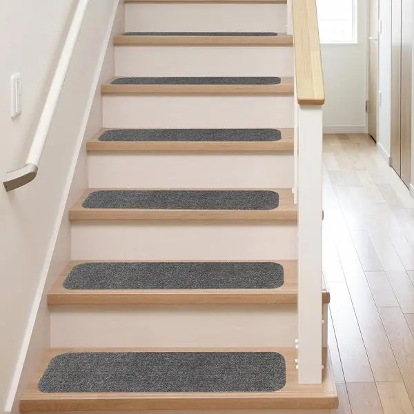 35 Stunning Stair Carpet Runner Ideas For Safety And Beauty | Carpet Styles For Stairs | Bound | American Style | Traditional | Curved Stair | Tuftex