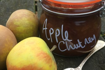 Apple and Sultana Chutney
