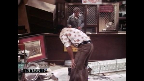 Earthquake TV deleted scene 1 cap 2