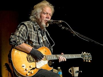 """O guitarrista canadense Randy Bachman, fundador da banda Guess Who e """"pesquisador"""" do acorde misterioso dos Beatles."""