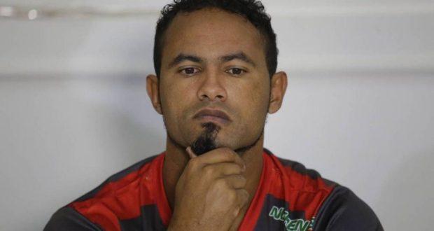 Em enquete no Facebook, torcedores do Barbalha desaprovam a contratação do goleiro Bruno