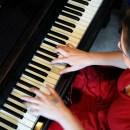Daniela Mercado Pianista y compositora de Relatos Cinematográficos