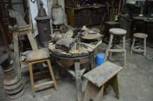Mesa donde se esculpe sobre disintos materiales - Fuente propia