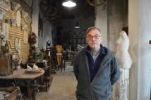 Pepe March, vive en esta casa taller desde que nació y es la cuarta generación de la famlia March que sigue con este negocio - Fuente propia