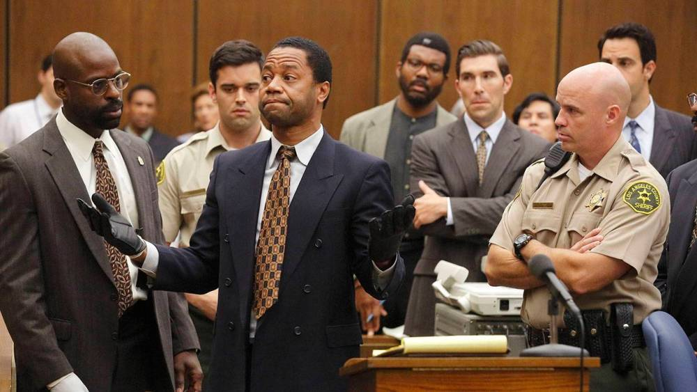 "THE PEOPLE v. O.J. SIMPSON: AMERICAN CRIME STORY ""Conspiracy Theories"" Episode 107 (Airs Tuesday, March 15, 10:00 pm/ep) -- Pictured: (l-r) Sterling K. Brown as Christopher Darden, Cuba Gooding, Jr. as O.J. Simpson. CR: Ray Mickshaw/FX"