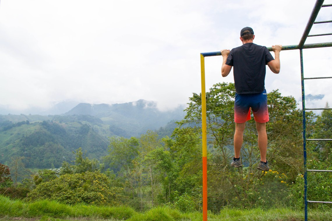 Pull ups in Salento, Colombia