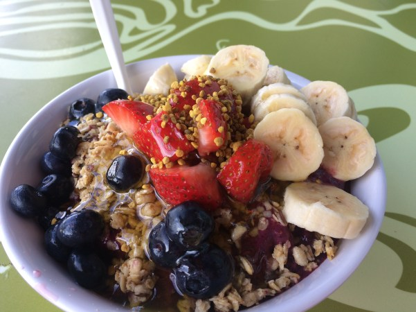 Da Cove Health Bar & Cafe Acai Bowl, Oahu Hawaii