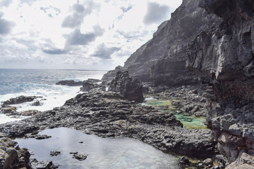 Makapuu Tidepools - Oahu, Hawaii hiking
