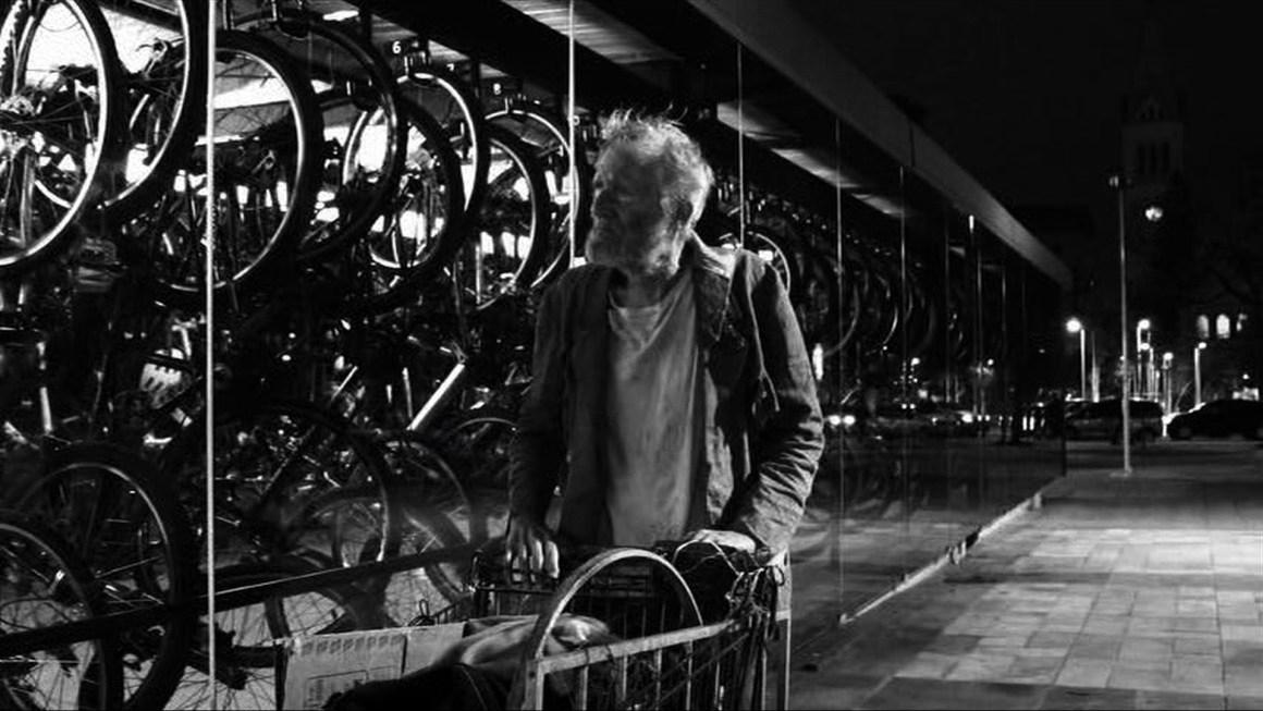 Jean-Claude Bernardet em cena no mais novo filme de Cristiano Burlan. Foto:  Divulgação.