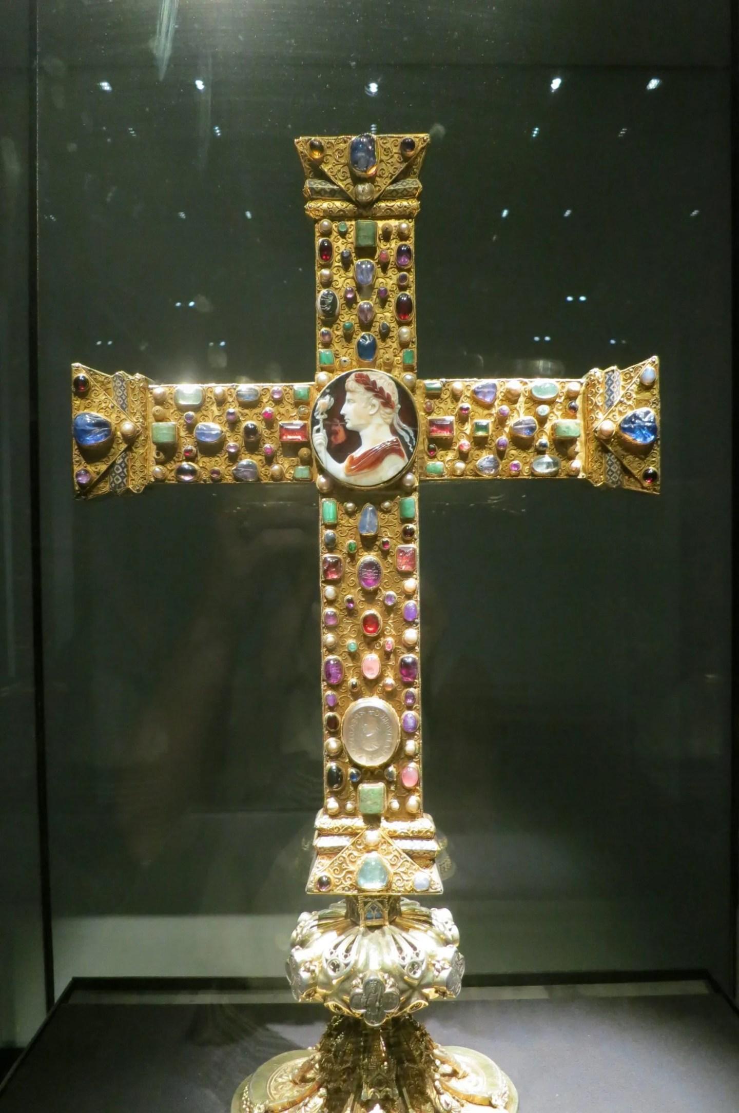 Lothar Cross